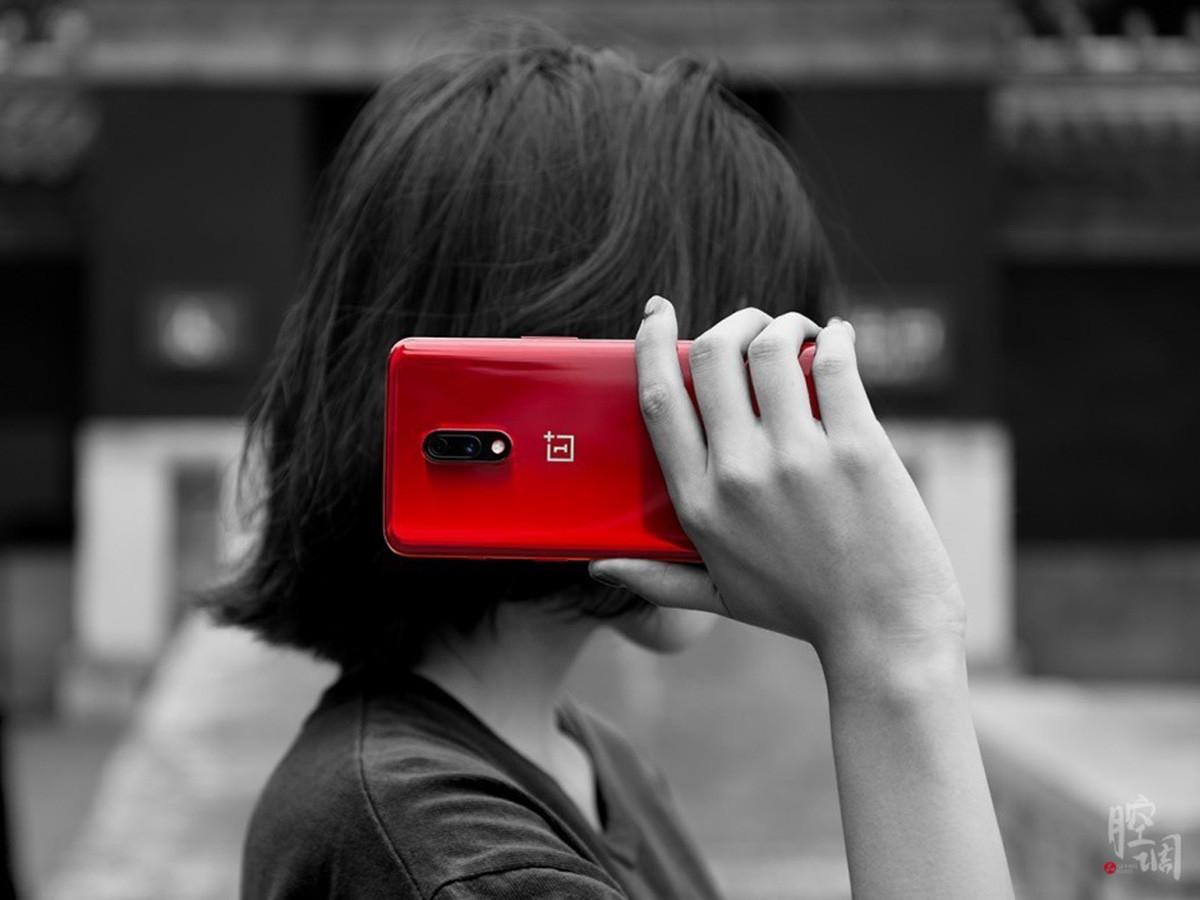 一加手机7(12+256GB)时尚美图第1张