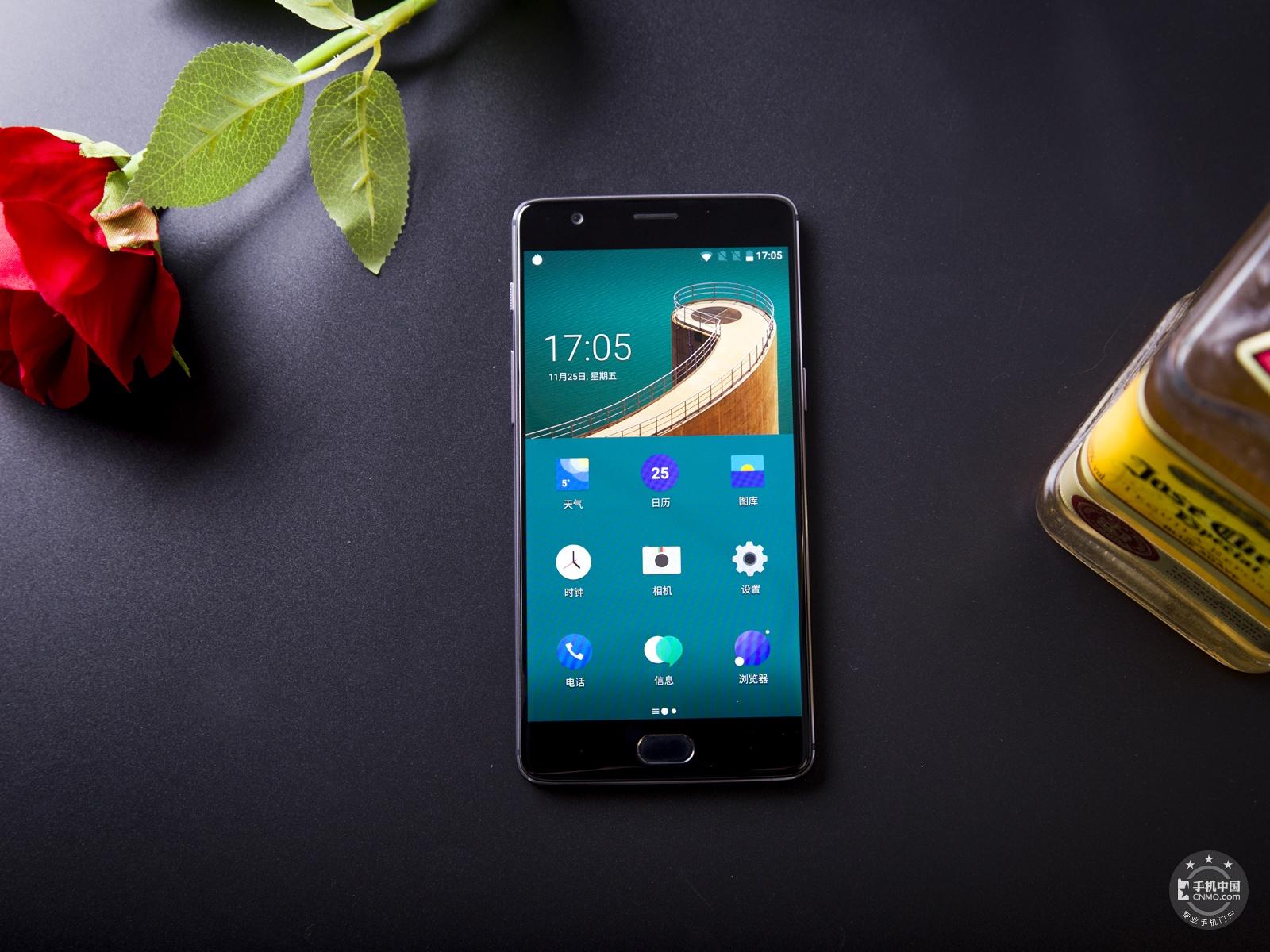 一加手机3T(64GB)整体外观第1张